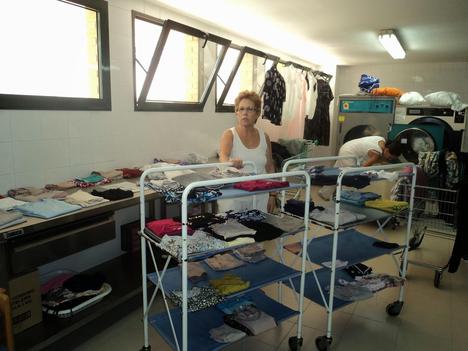 Organizada creativo Lavanderia : Nuestra compa?era de lavander?a M?Jose se jubil? el pasado 1 de ...
