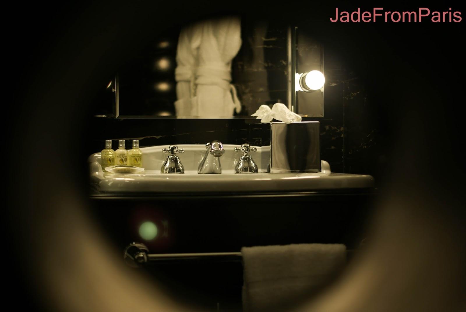 suite cabaret seven hotel