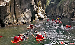 body rafting dalam ketenangan