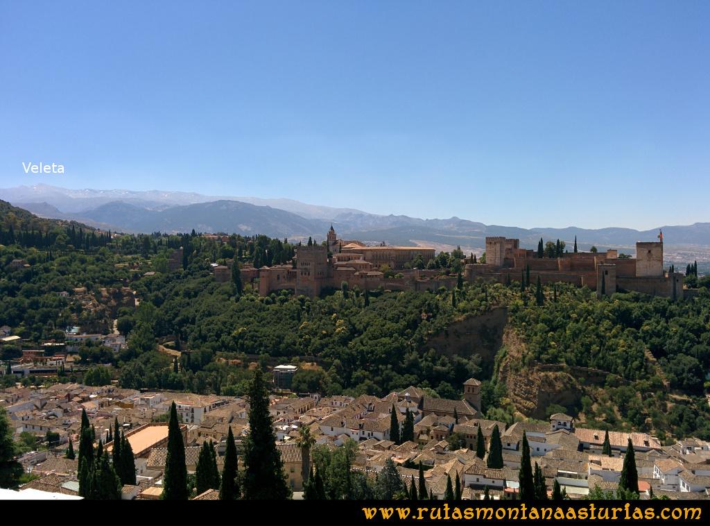 Ruta Hoya de la Mora - Veleta: Vista desde Granada de la Alhambra y el Veleta