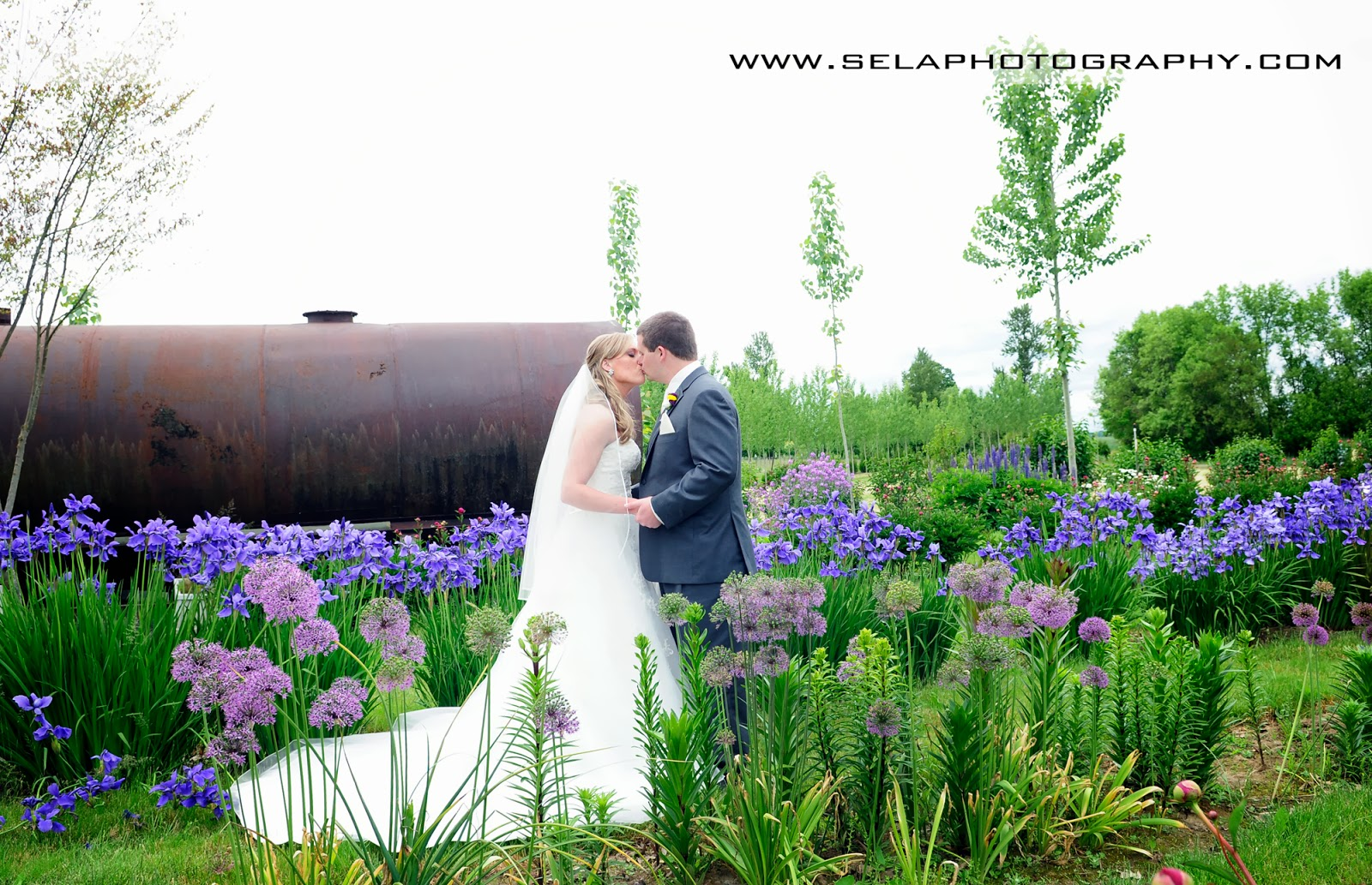 Spring weddings at green villa green villa barn gardens for Green spring gardens wedding