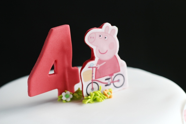 Wilton Peppa Pig Cake Tin