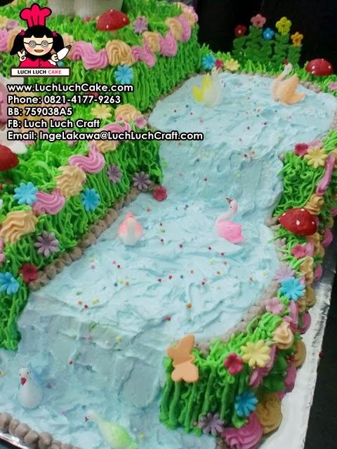 kue tart hello kitty besar daerah surabaya - sidoarjo