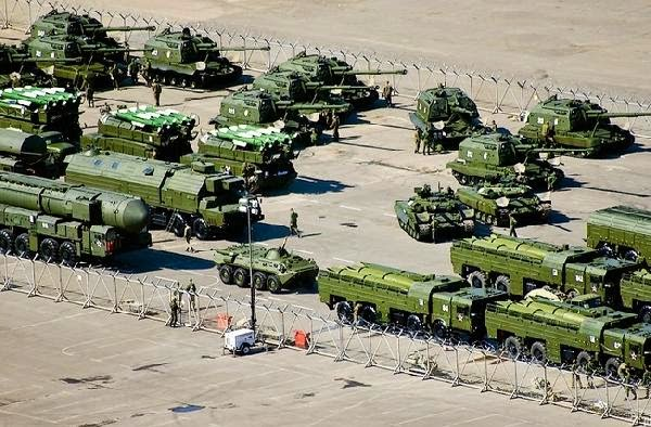 Rusia mulai latihan militer respon NATO