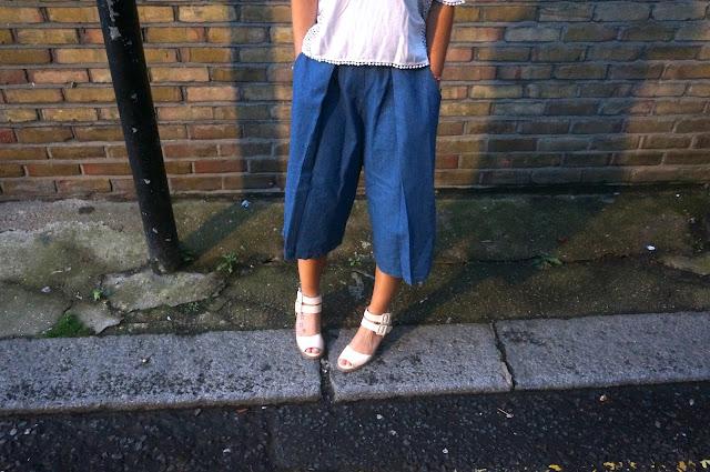 chloeschlothes - pantalon culotte en jean avec t-shirt