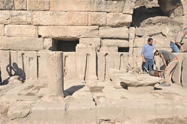 Bust of Herakles found in ancient Kibyra