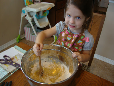 Making cupcakes with Babmu kitchen tools