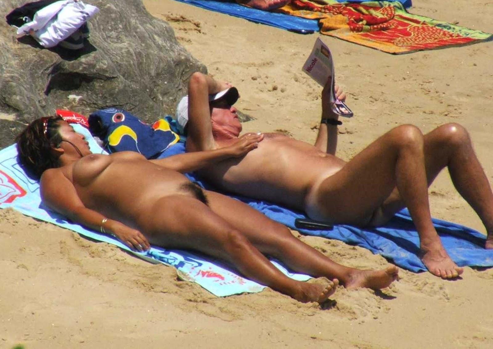 Buxom bikini model