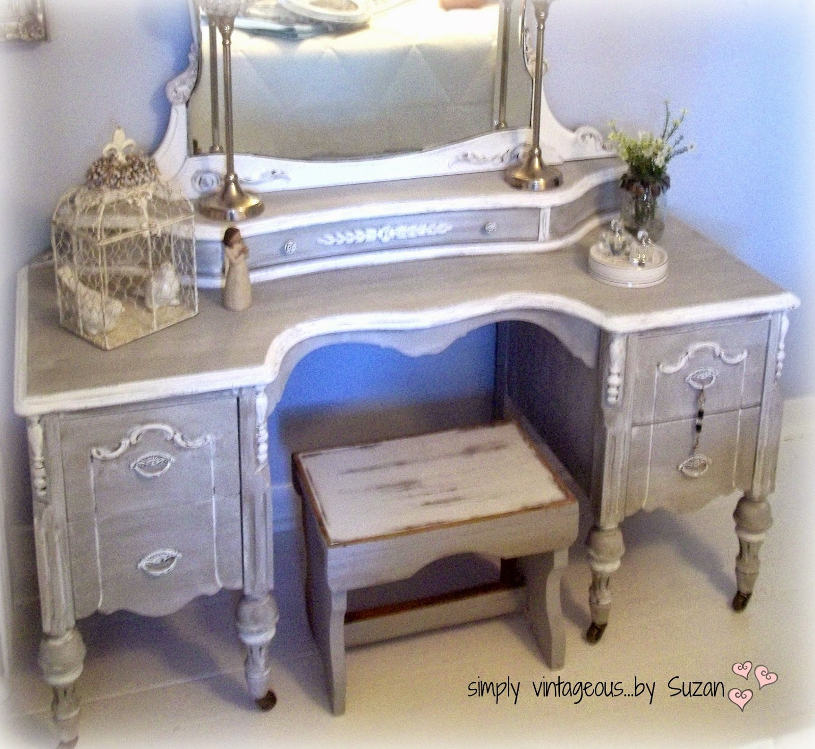 Painted vanity using chalk paint
