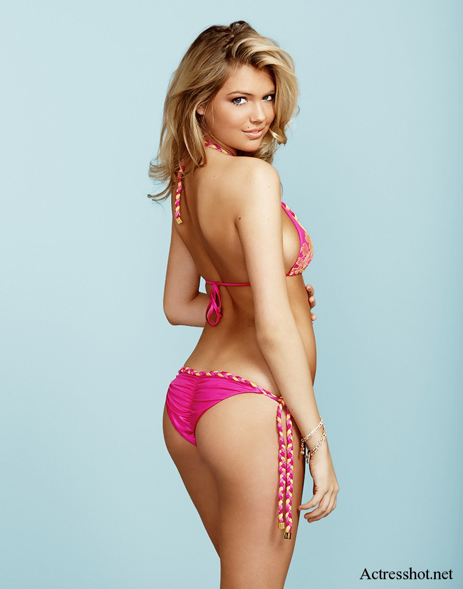 kate upton looking sexy in beach bunny bikini hollywood news and photos. Black Bedroom Furniture Sets. Home Design Ideas