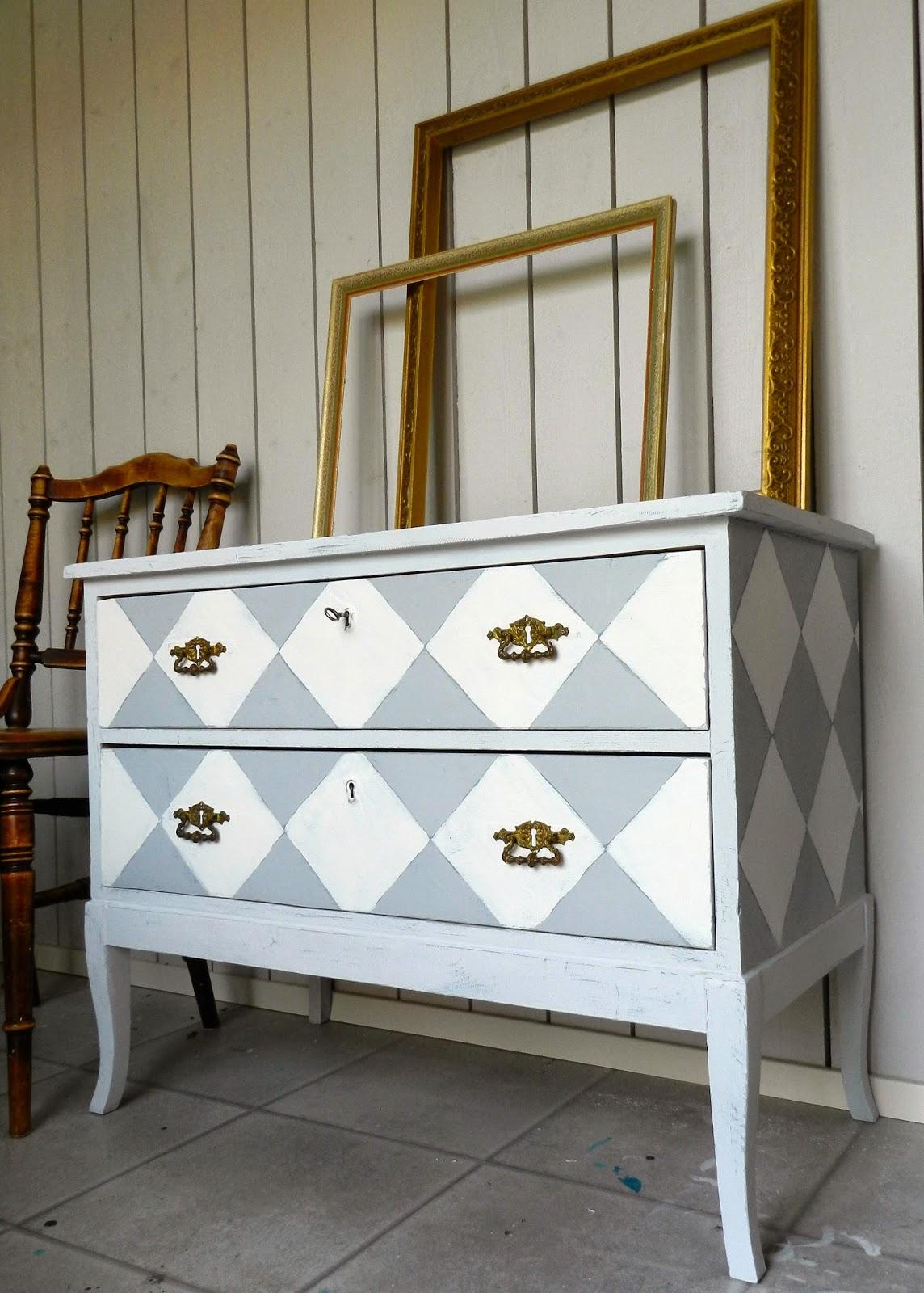 MÃ¥leriet: Möbler till salu : måla gamla möbler vita : Inredning