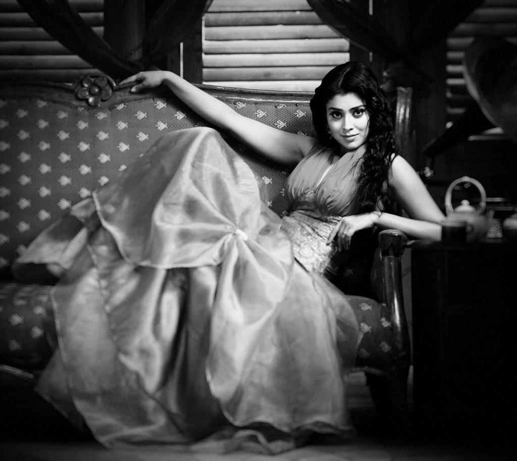 shriya saran unseen photo gallery
