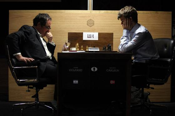 Ronde 3 - Magnus Carlsen bat Boris Gelfand © Anastasiya Karlovich