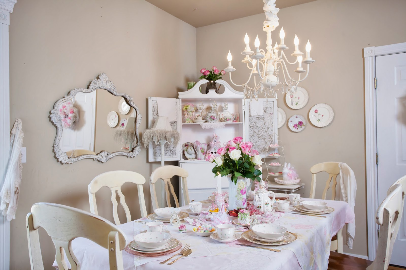 olivia 39 s romantic home shabby chic dining room. Black Bedroom Furniture Sets. Home Design Ideas