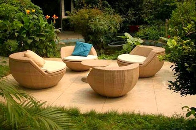 Muebles para patio de mimbre patios y jardines for Muebles para patios y jardines