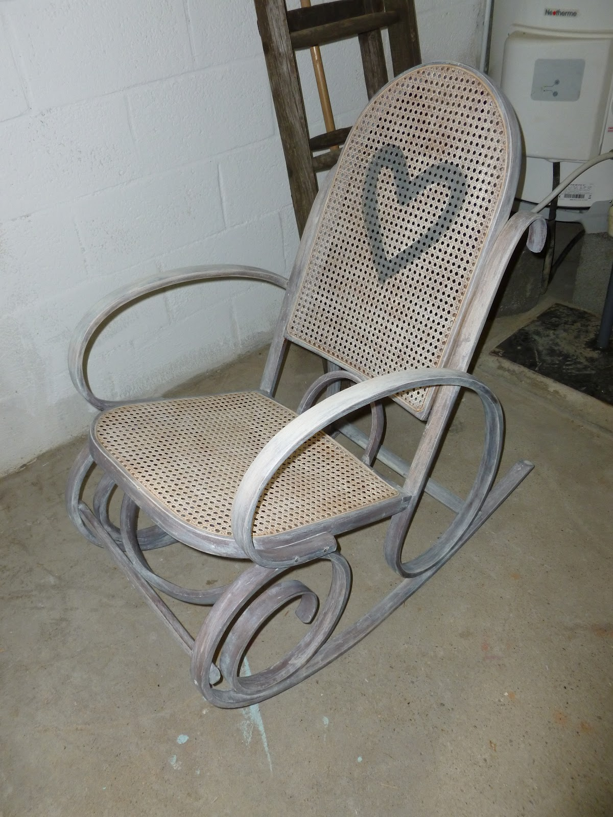 l 39 art de la d coration rocking chair restaur. Black Bedroom Furniture Sets. Home Design Ideas