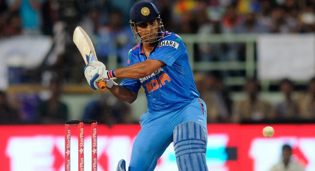 MS-Dhoni-INDIA-vs-WEST-INDIES-2nd-ODI-2013