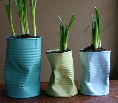 Bent+Can+Planter - DIY Tin Can Planters