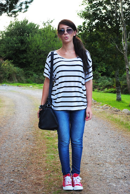 Simple top and jeans