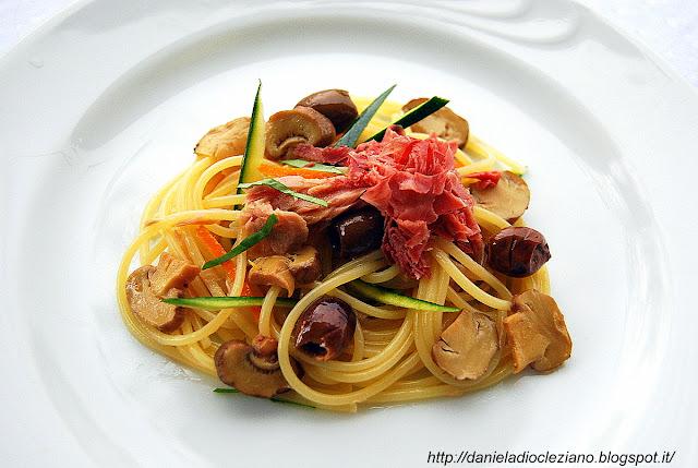 insalata fredda di spaghetti