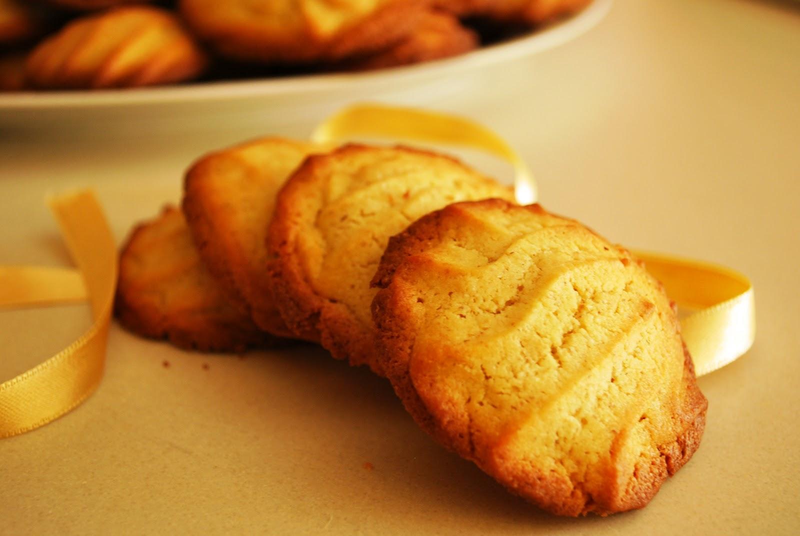 Biscotti Da Credenza Alice : Biscotti di frolla montata alla farina orzo integrale fairies