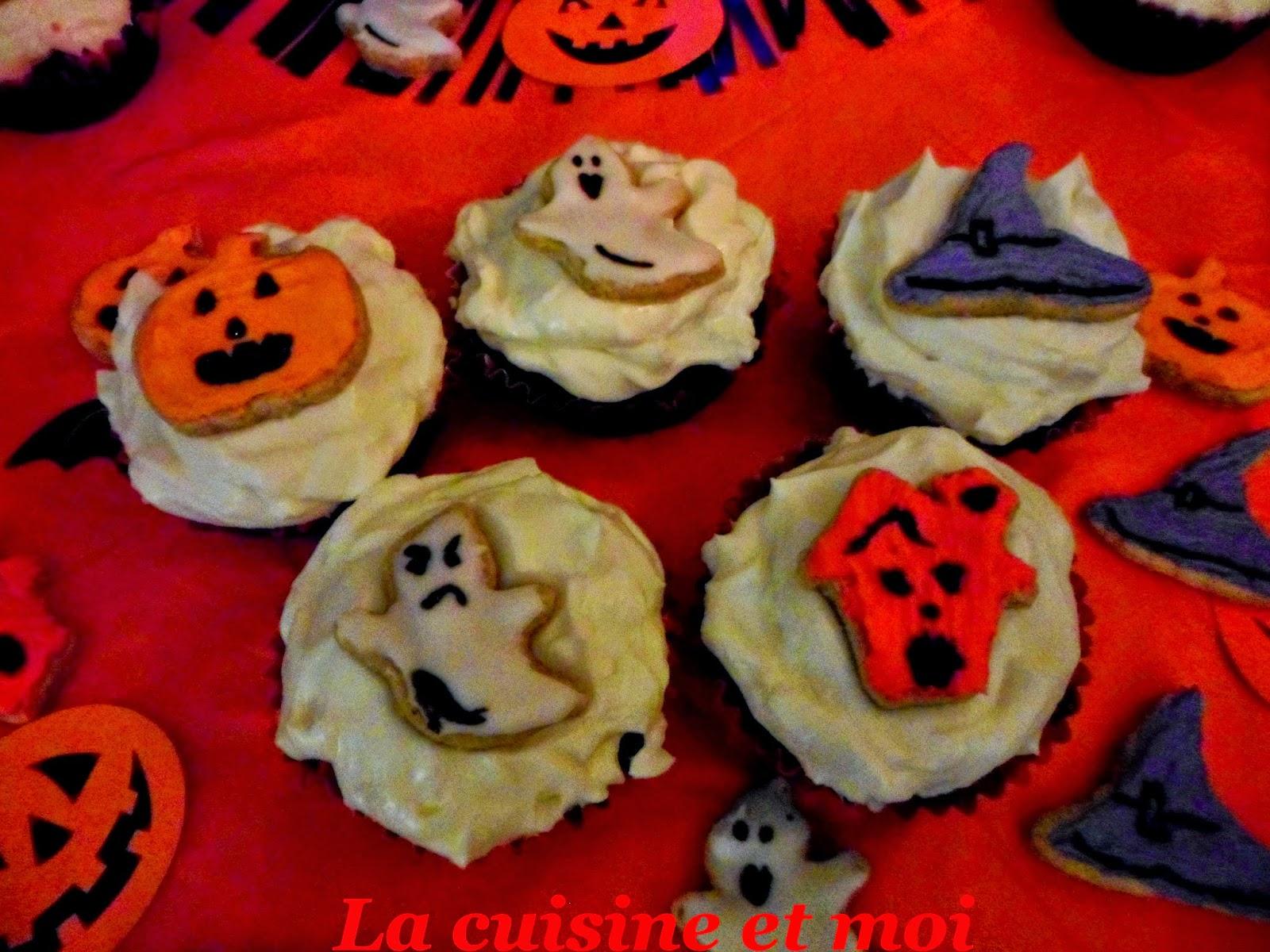 http://la-cuisine-et-moi.blogspot.fr/2014/10/cupcakes-et-sables-dhalloween.html