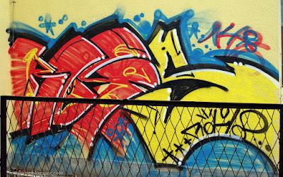 http://fotobabij.blogspot.com/2015/12/puawy-graffiti-na-dworcu-pks-ul.html