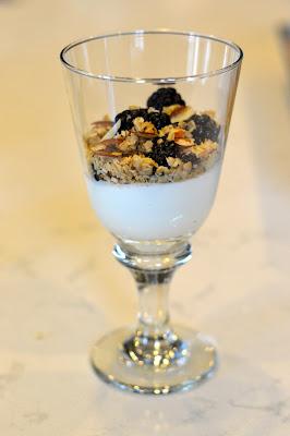 yogurt-berries-granola-recipe