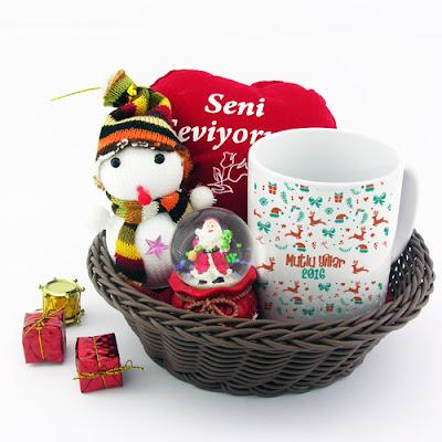 yılbaşına özel hediye sepetleri