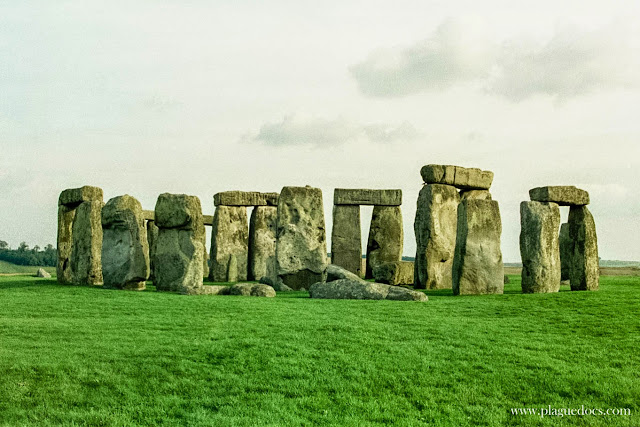 "Stonehenge, book review, ""Stonehenge"" by Bernard Cornwell"