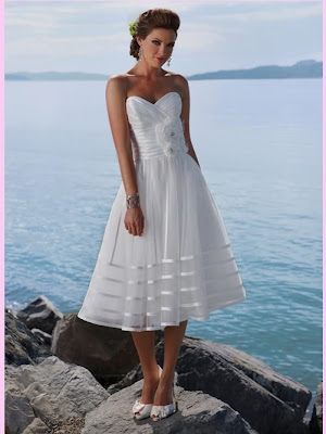 White Short Sweetheart Organza Beach Wedding Dress