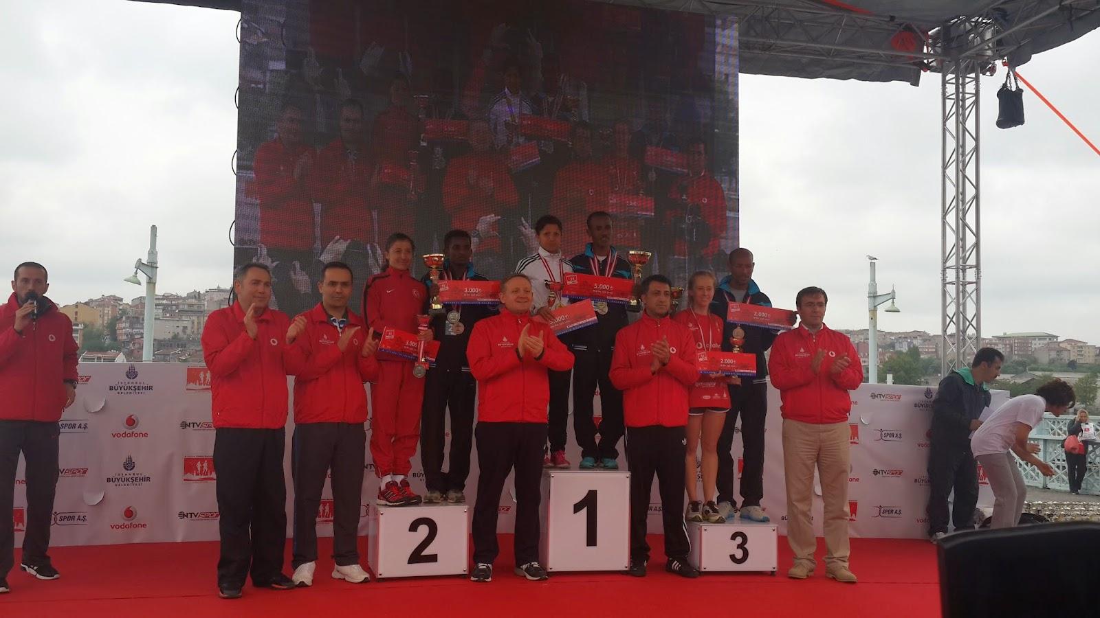 Vodafone Yarı İstanbul Maratonu 2014 Nisan ödül töreni