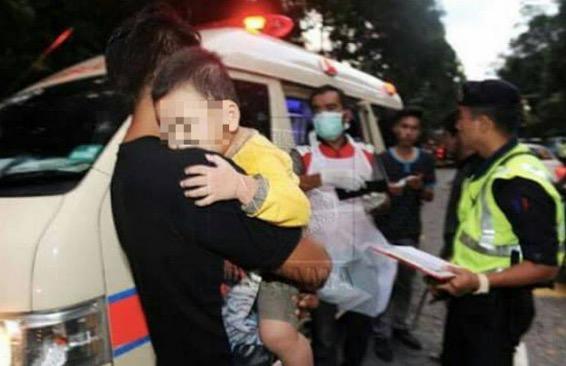 Dua kereta bertembung di Rembau, kanak-kanak 2 tahun jadi yatim piatu sekelip mata