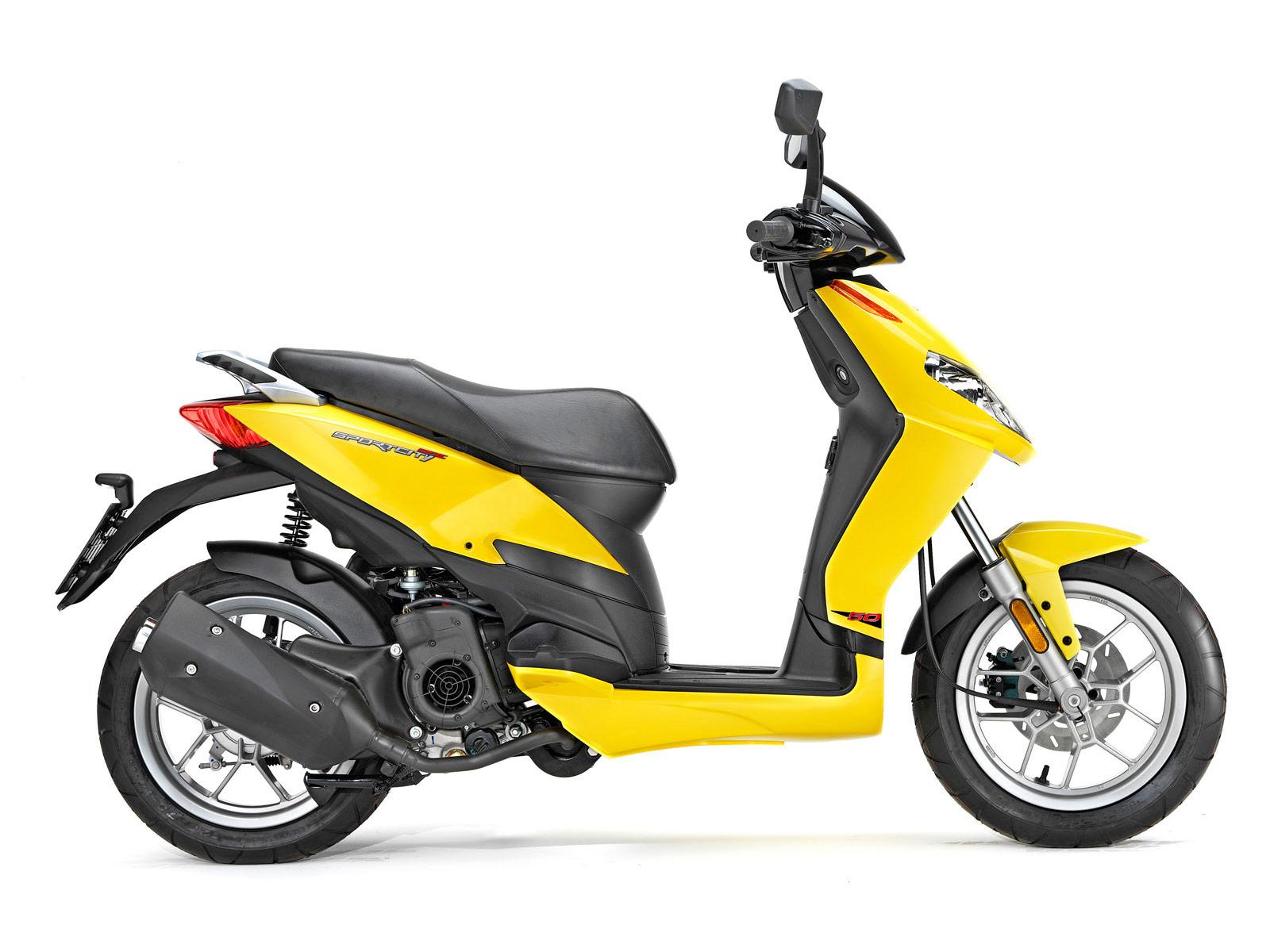 2011 aprilia sportcity 50 scooter pictures. Black Bedroom Furniture Sets. Home Design Ideas