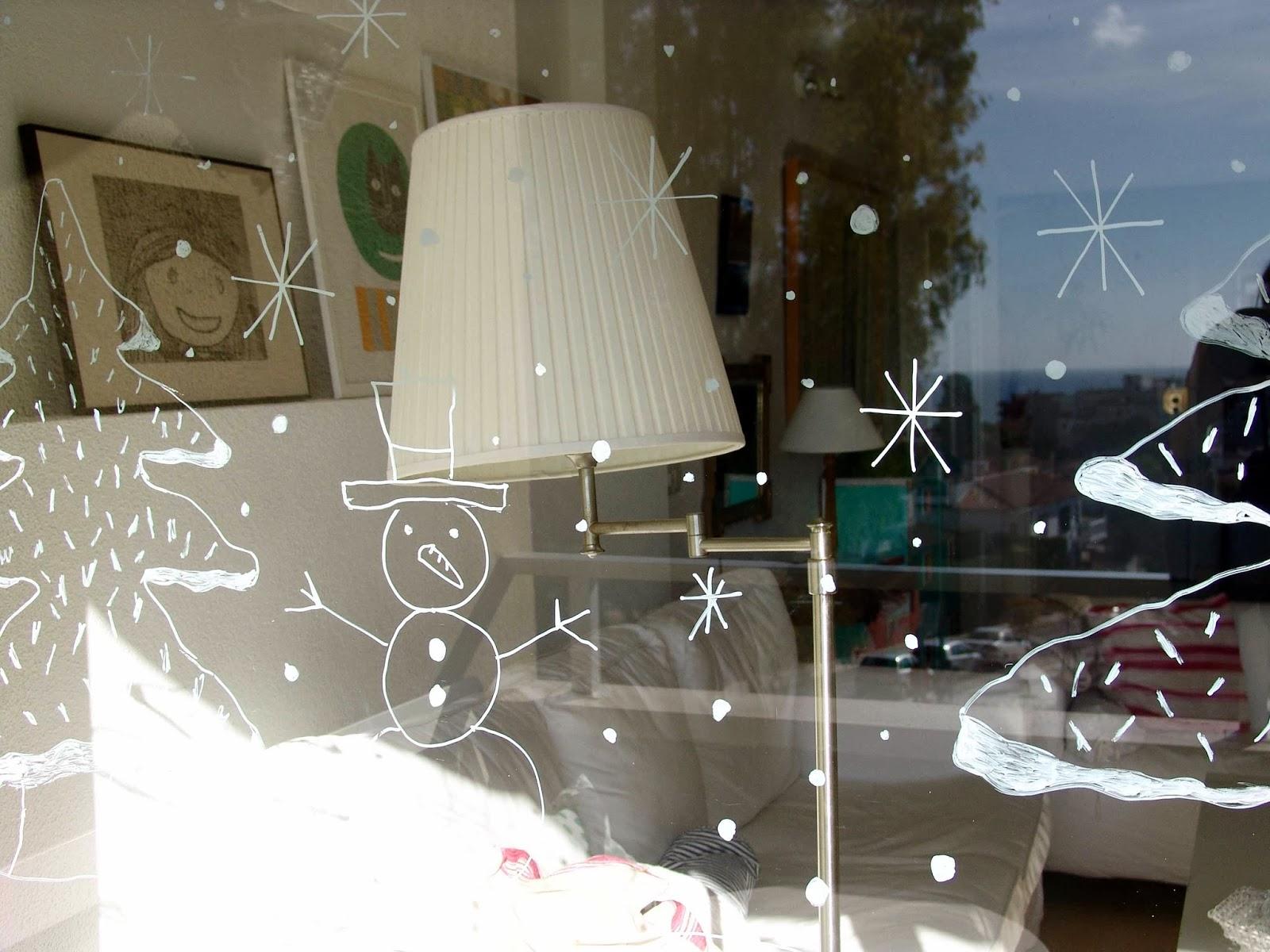 Lalibelula pintando en los cristales - Papel para cristales ...