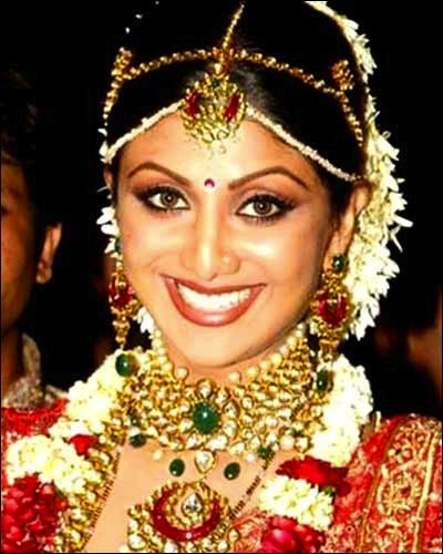 South Indian Jewellery Designs For Brides To Look Drop: Maang Tikka Latest Designs For Wedding