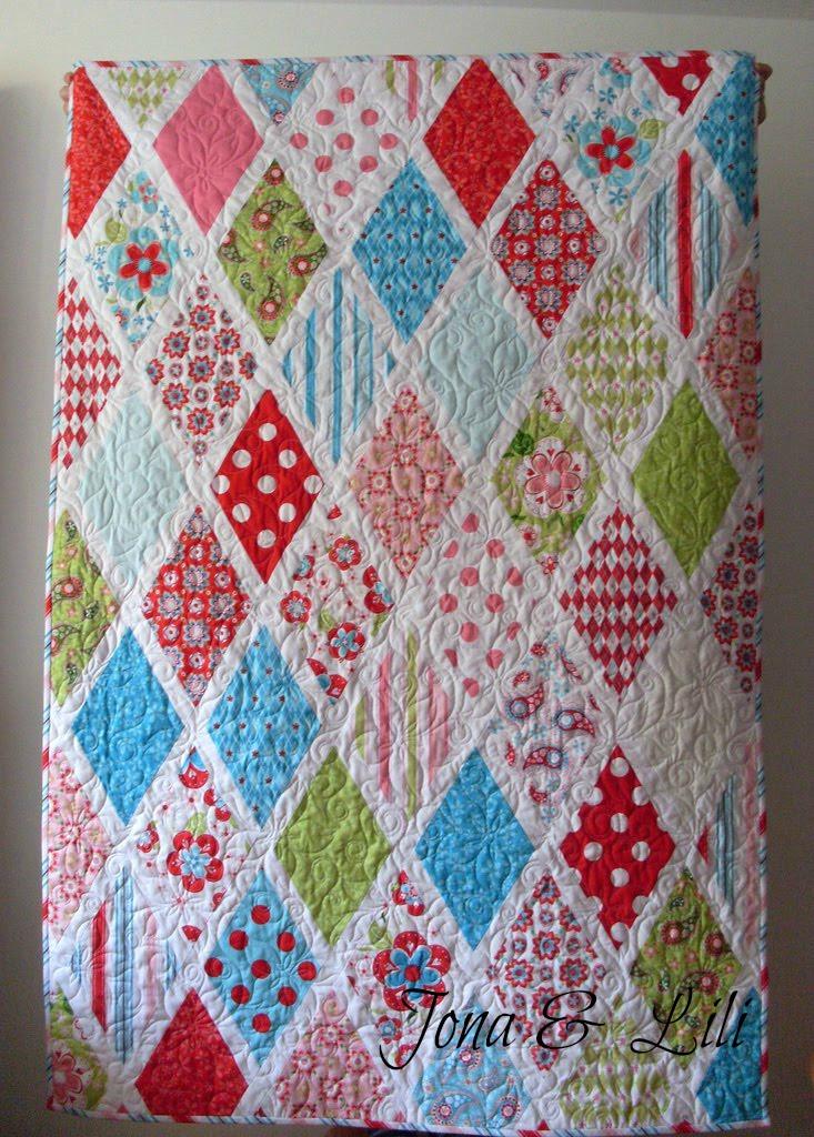 Diamond Pattern For Quilting : Jona&Lili: Sweet Divinity Diamond Quilt - Repost