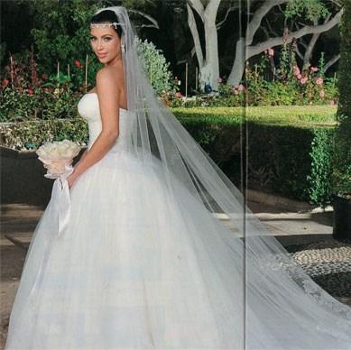 Smartaesthetic kim kardashian39s wedding dresses revealed for Kim kardashian s wedding dress