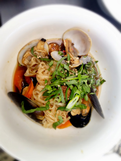 asian seafood broth noodles clams mussels fish