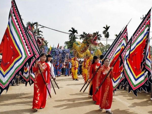 Cho thuê xe đi Hội đền Bà Trưng, Mê Linh, Hà Nội