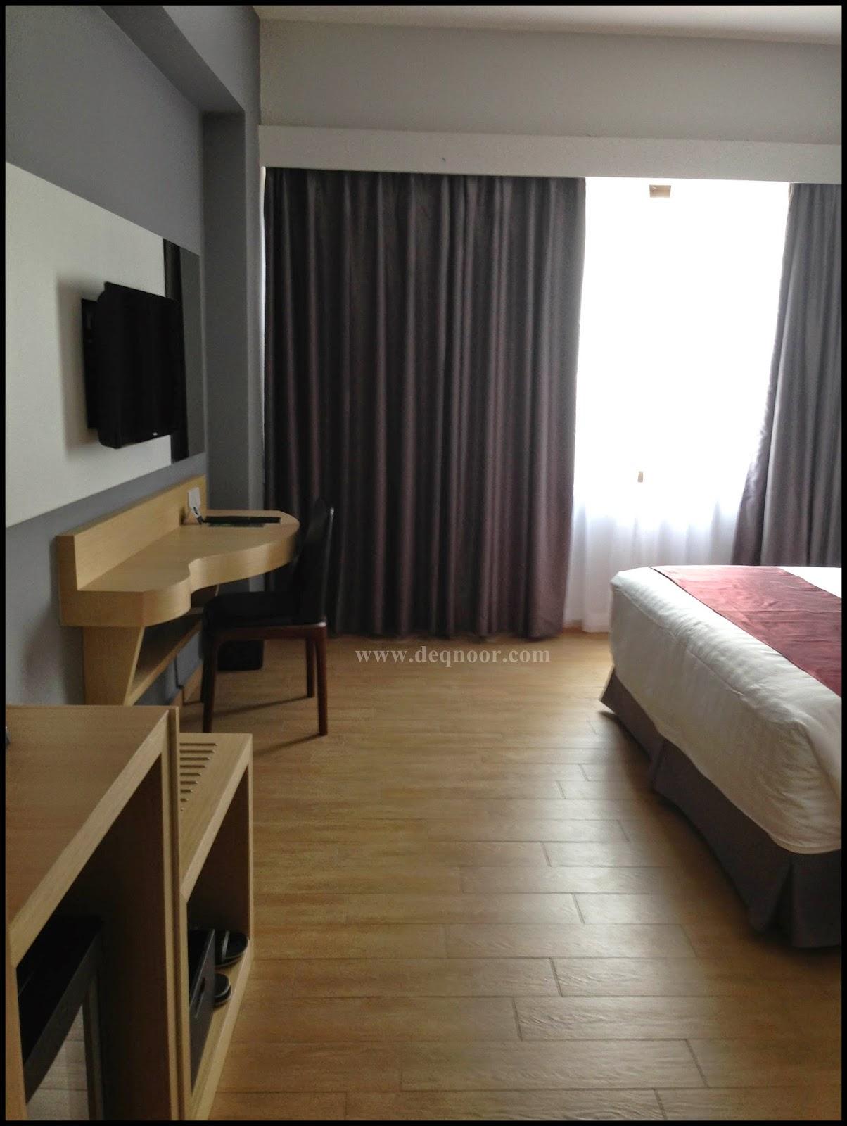 Ruang Bilik Superior Hotel Neo+