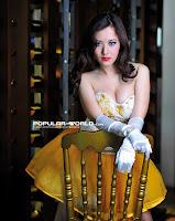 Foto Adinda Model Popular World Pebruari 2013