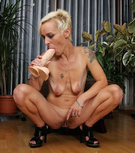 Nackt Bilder : Leere Schlafftitten   nackter arsch.com