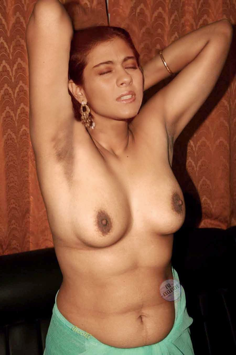 Young little girl naked fingering