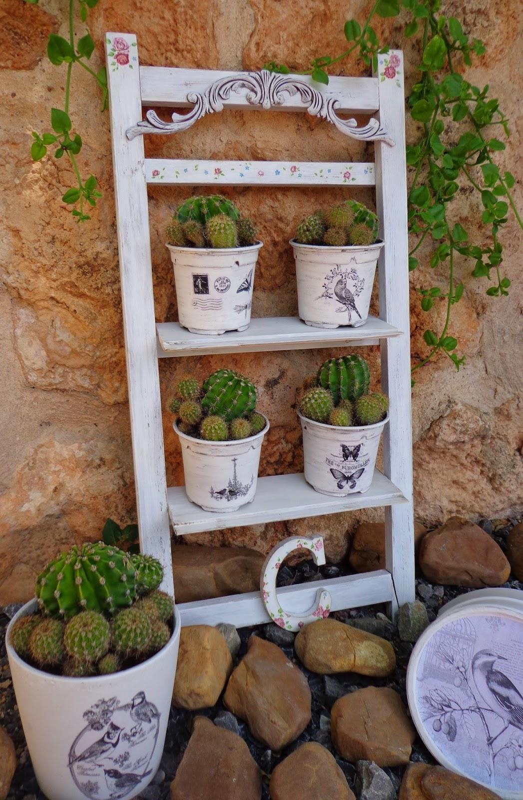 Entre anhelos y caprichos escalera jardinera para los - Jardineras en escalera ...