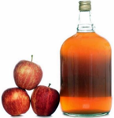 mengatasi ketombe dengan cuka buah apel