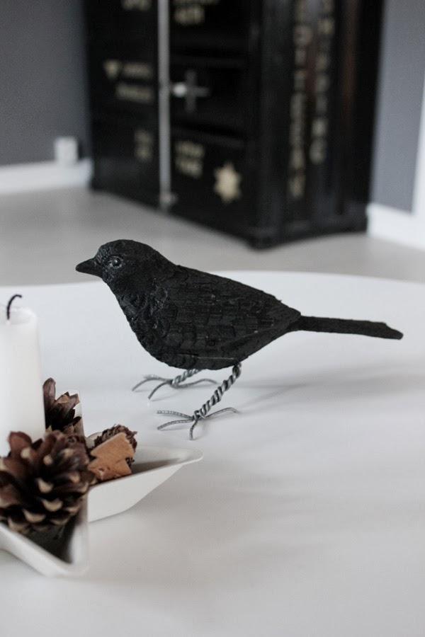 handsnidad fågel, svart fågel, täljd fågel, julklapp, konst, skulptur
