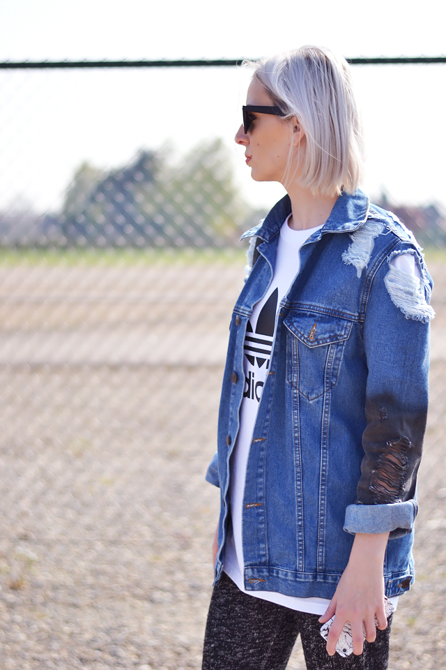 Oversized denim jacket, asos, adidas logo t shirt, fashion blogger, belgium,