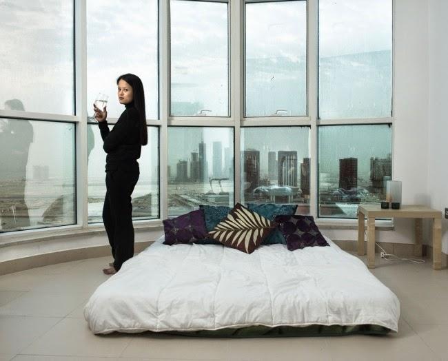 Окно в женскую спальню