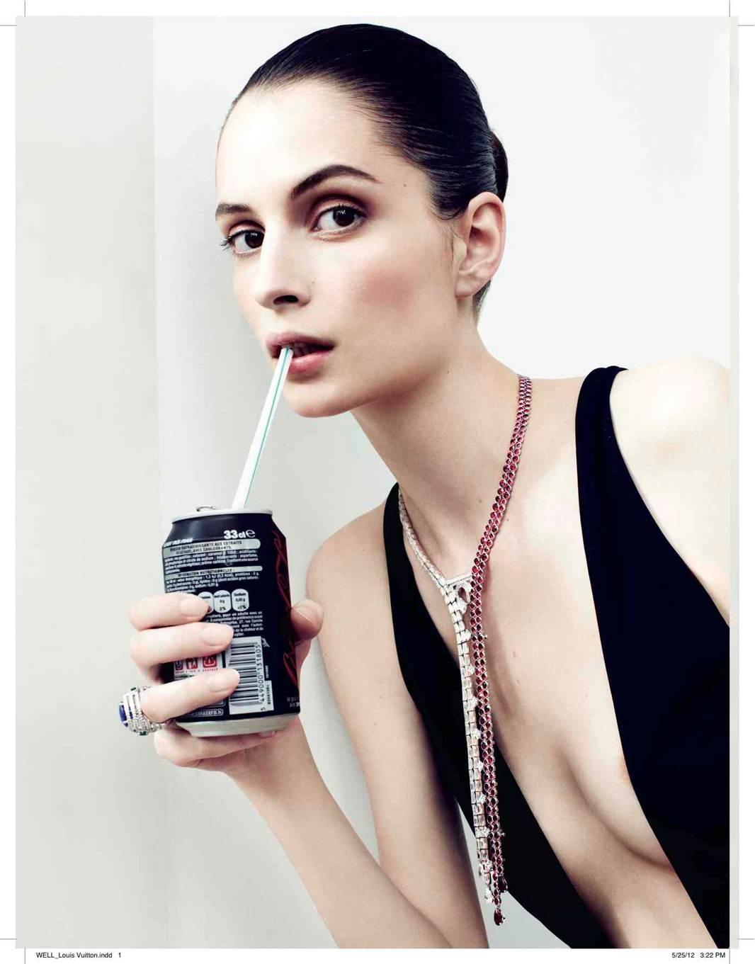 http://2.bp.blogspot.com/-KKjQc2-pb4g/T-iA8rGqWrI/AAAAAAAAKgE/mamWqk47UnM/s1600/Suzie+Bird+Vogue+Russia+July.jpg